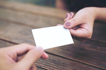 Quelles sont les dimensions de la carte de visite ?: Quelles sont les dimensions de la carte de visite ? Découvrez comment imprimer votre carte de visite sur Sprint24. Découvrez tous les avantages de l'impression numérique.