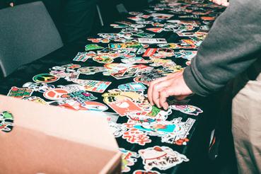 Dove stampare adesivi personalizzati a Roma: Sei alla ricerca di un buon servizio di stampa per adesivi personalizzati a Roma? Ecco dove poter realizzare degli adesivi da personalizzare, utili per promuovere il tuo brand o semplicemente per dare un tocco in più ad un accessorio.