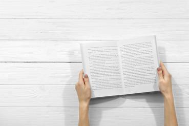 Impaginazione grafica di un libro: 8 motivi per chiedere a Rotostampa: Hai scritto il racconto che tenevi nel cassetto ma non sai come procedere per l'impaginazione grafica del tuo libro? Scopri i servizi offerti da Rotostama.