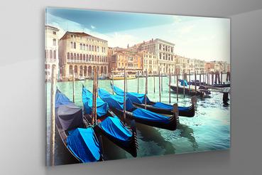 Stampa diretta su vetro acrilico: Stampa diretta su vetro acrilico. Con le stampe dirette su vetro acrilico i colori della vostra fotografia saranno così intensi che brilleranno di luce propria.