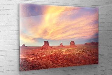 Stampa digitale su vetro acrilico: Stampa digitale su vetro acrilico. Con le stampe dietro vetro acrilico le tue fotografie saranno parte integrante degli ambienti dove sceglierete di collocarle.