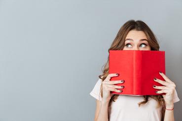 Comment créer une couverture de livre: Comment créer une couverture de livre ? Découvrez comment imprimer livres en ligne sur Sprint24. Découvrez tous les avantages de l'impression numérique : lisez cet article pour en savoir plus sur impression haute qualité.