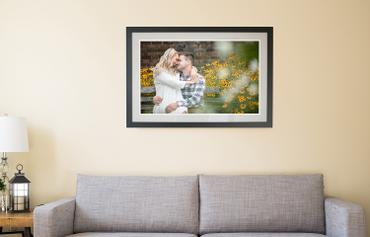 Come arredare le pareti del soggiorno in modo creativo: Ecco qualche spunto per arredare le pareti del tuo soggiorno in modo creativo. Scopri le stampe di Wallart!