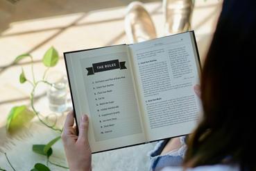 Brochage livre: laissez-nous façonner vos livres: Ouvrage livre: découvrez comment imprimer un livre élégant sur Sprint24. Découvrez tous les avantages de l'impression en ligne.