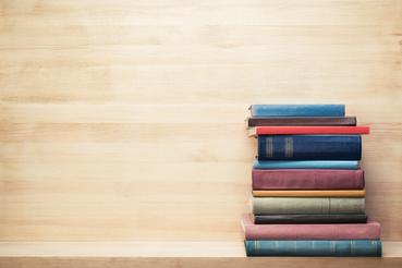 Come stampare e rilegare un libro con copertina rigida: Hai scritto un romando un racconto per ragazzi? Scopri come rilegare un libro con copertina rigida!