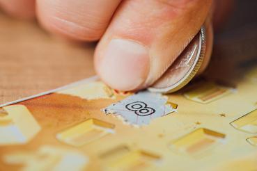 Créer une carte à gratter en ligne: l'art de la persuasion: Voulez-vous créer une carte à gratter en ligne? Découvrez comment le faire sur Sprint24.