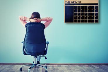 Come creare un calendario da muro personalizzato: Vuoi appuntare compleanni e appuntamenti in casa o in ufficio per non dimenticarli? Progetta un comodo e pratico calendario da muro personalizzato direttamente online!
