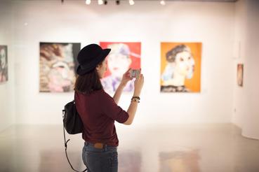 Pannelli per fotografie: idee per allestire una mostra in modo originale: Sei un fotografo o un'artista e vuoi allestire una mostra con i tuoi scatti e le tue opere? Valorizza le tue immagini con i pannelli per fotografie, l'ideale per mostre d'arte ed espositive.