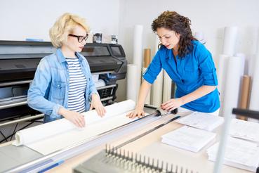 Guida ai formati di stampa: quali sono e come scegliere quello giusto: Devi ordinare un prodotto tipografico ma non sai tra quali formati di stampa scegliere? Scopri come realizzare al meglio il tuo prodotto editoriale su Sprint24.