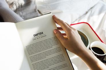 Imprimer un manuscrit: aux origins du livre: Voulez-vous imprimer un manuscrit? Sprint24 vous offre plusieurs possibilités pour imprimer un manuscrit en format livre.