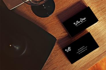 Carte de visite noir et blanc: Carte de visite noir et blanc : voici comment imprimer des cartes de visite noir et blanc pour vous présenter aux clients. Apprenez tout sur l'impression numérique avec Sprint24.