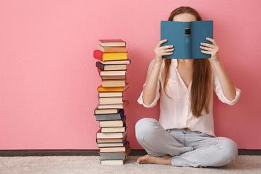 Imprimer une couverture de livre: votre signe distinctif: Voulez-vous faire connaître votre livre au public? Imprimez une couverture de livre avec une finition et un revêtement précieux sur Sprint24!