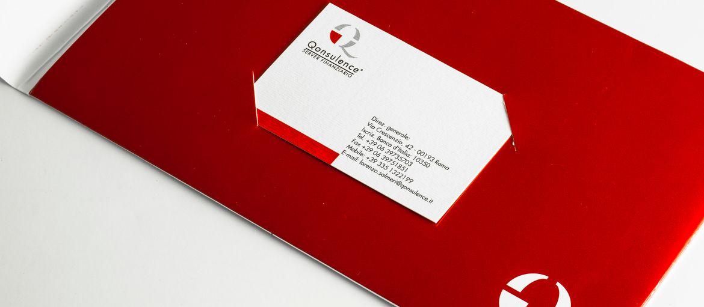 Imprimer en ligne Chemises avec pochette Qonsulence: Impression : 4 couleurs uniquement recto Papier : couché mat de 350 g Façonnage : découpage (détail pochette)