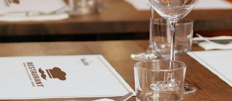 Impression de sets de table alimentaires personnalisés en ligne: Vous avez un restaurant dans lequel vous servez aux tables et vous cherchez un site où pouvoir commander l'impression de sets de table alimentaires jetables? Découvrez Sprint24.