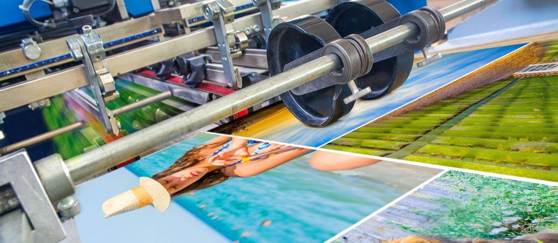 I vantaggi di scegliere una stamperia online: Vuoi stampare un libro o altri prodotti tipografici? Senza allontanarti dalla tua scrivania, rivolgiti alla stamperia online di Sprint24!