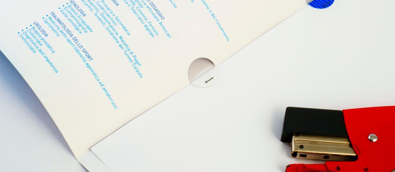 Online printing Casa di cura Folder: Print: 1 colour Paper: matt coated 350 gsm Processes: die-cutting (internal view)