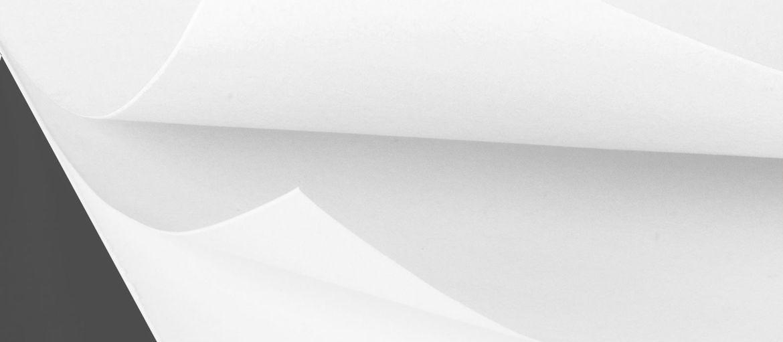 Papier autocopiant blanc: Type : autocopiant Surface : lisse Épaisseur : 60 gr Usages : utilisé pour les blocs et les liasses autocopiants Producteur : Eurocalco