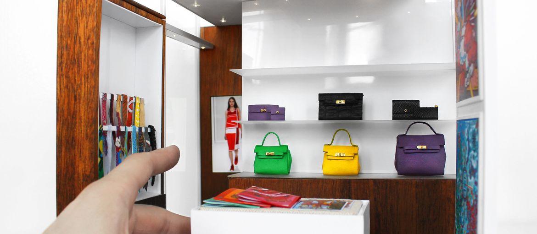 Le grandi miniature di Philipp Nuveen: Phillip Nuveen è un artista di New York dai capelli improbabili che si diverte a ricreare miniature assolutamente fedeli di accessori di moda, design e non solo.   Potete vedere tutte le creazioni sul suo sito internet phillipnuveen.com dove tra a…