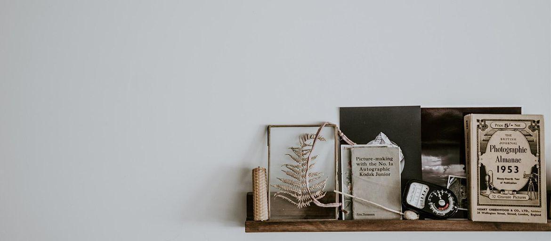 Stampe vintage su legno: come arredare casa in pochi click: Stampe vintage su legno con i consigli di Wallart Decor. Realizza stupende decorazioni in stile vintage con la stampa direttamente online.